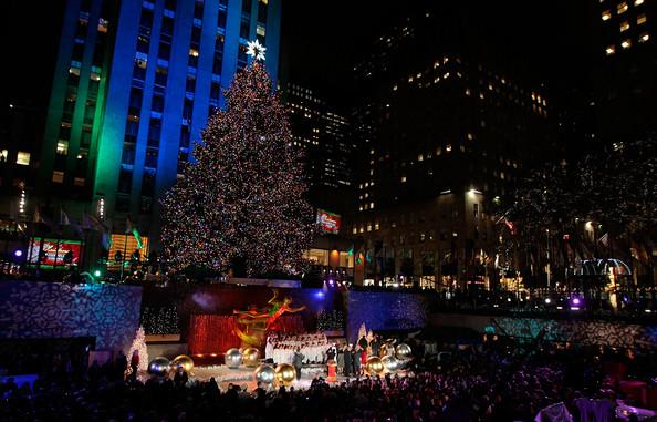2010+Rockefeller+Center+Christmas+Tree+Lighting+MyqA23SOB8Gl.jpg