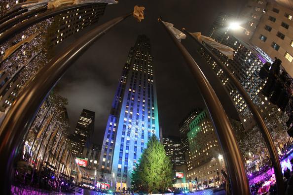 2010+Rockefeller+Center+Christmas+Tree+Lighting+pq7zkk42eU7l.jpg