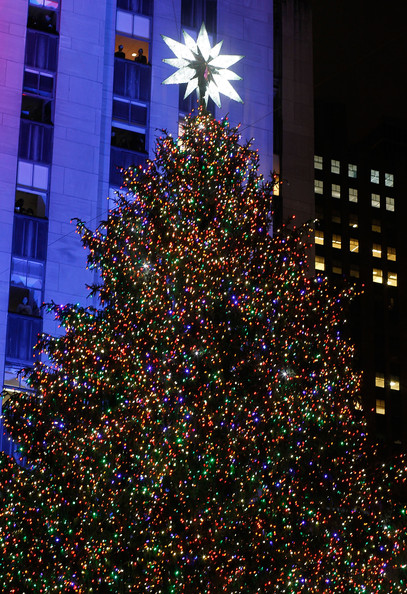 2010+Rockefeller+Center+Christmas+Tree+Lighting+R2LyZrWJvCnl.jpg