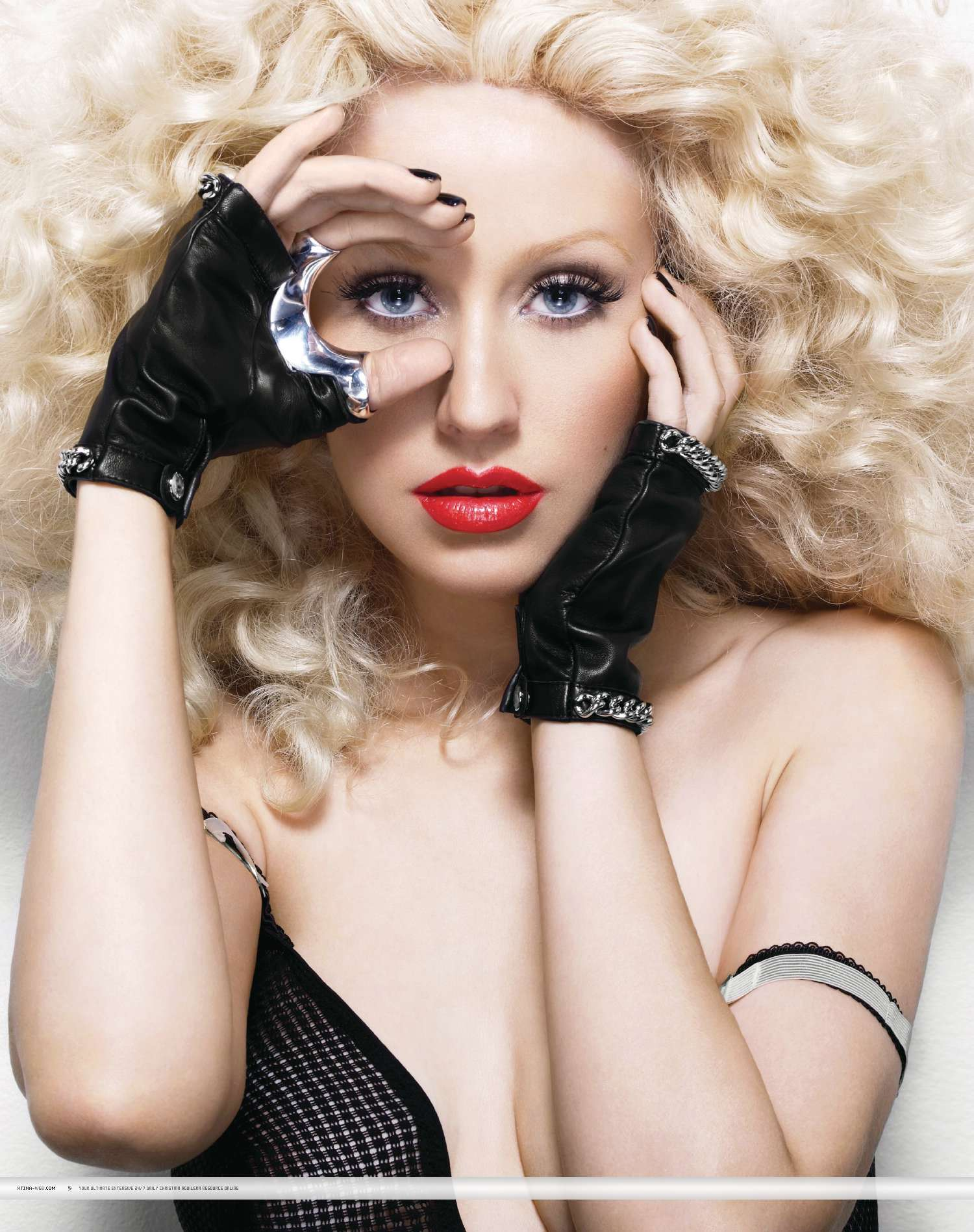 "Christina Aguilera – ""Bionic"" fotosesijā"