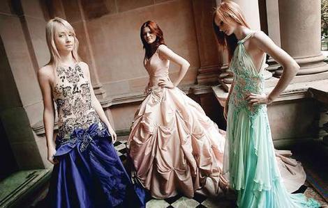 Krāsainas Kāzu kleitas :mode 2010