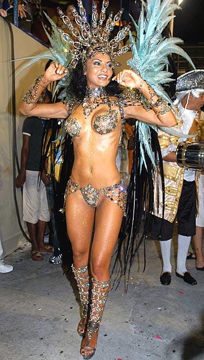 карнавальной самбы состоит