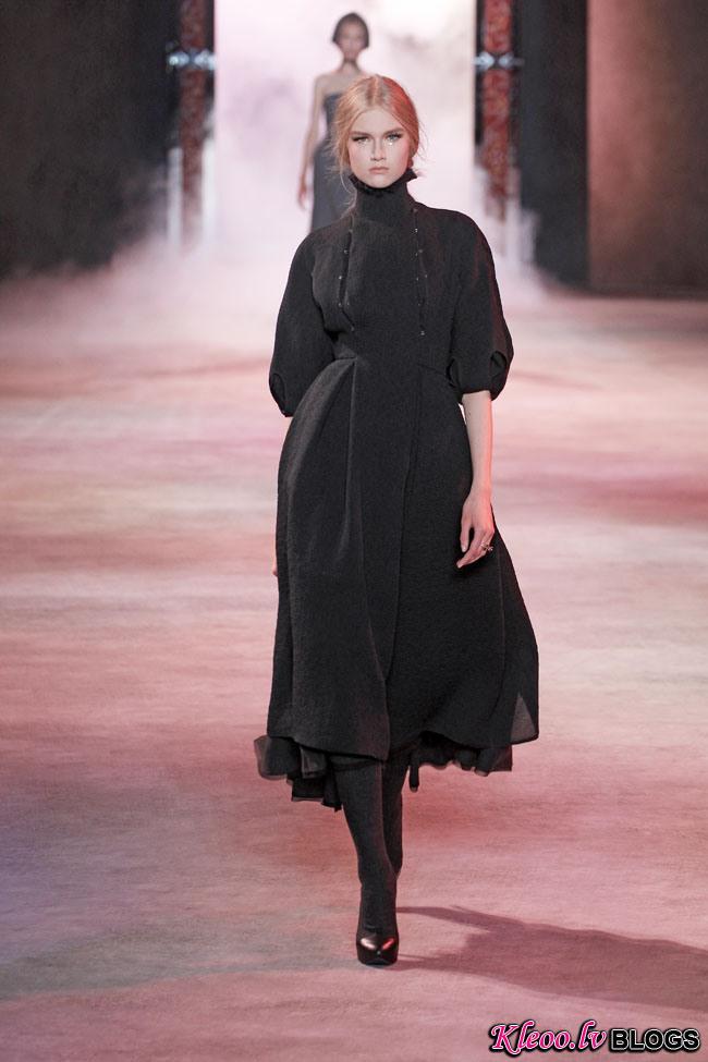ulyana-sergeenko-fall-couture-1.jpg