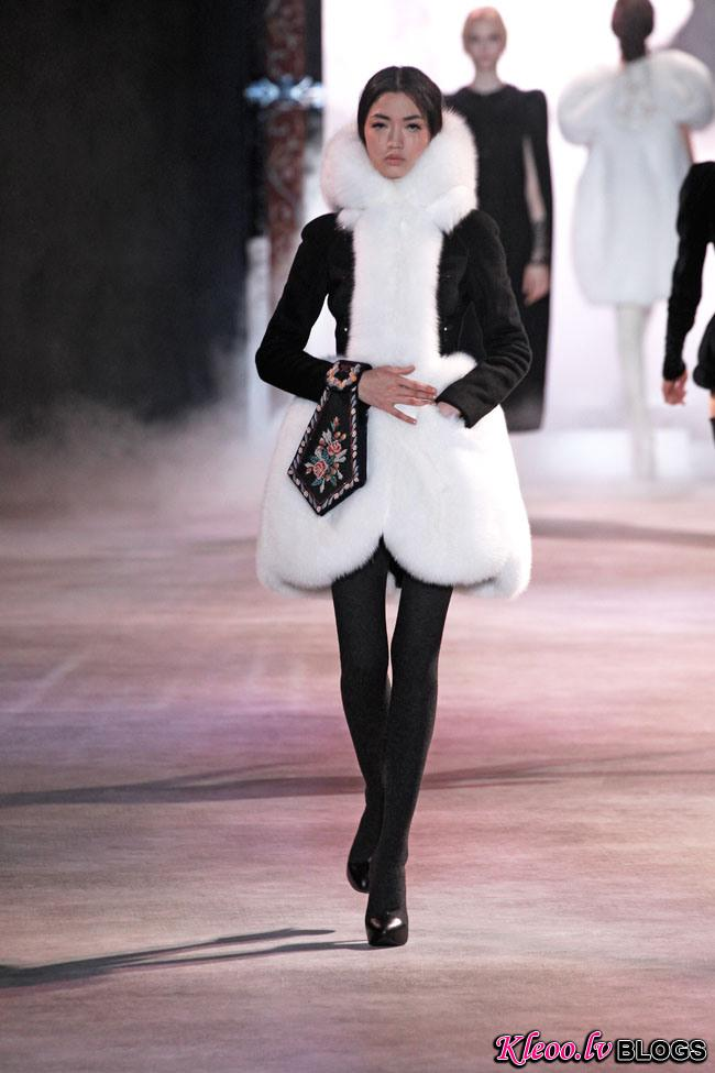 ulyana-sergeenko-fall-couture-11.jpg