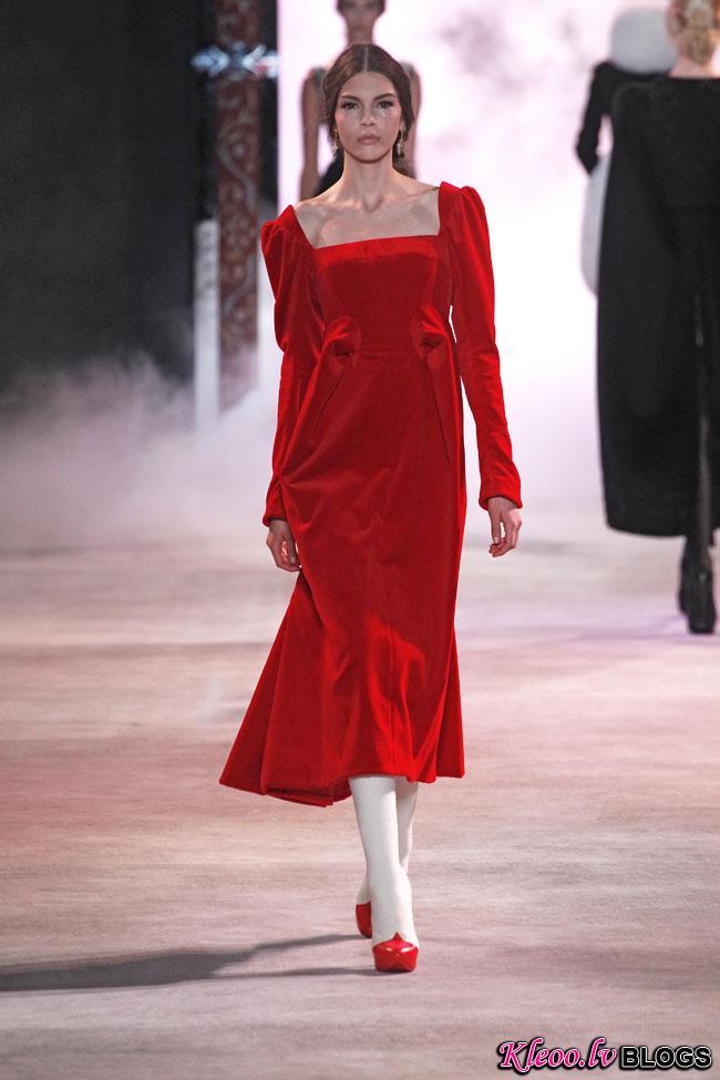 ulyana-sergeenko-fall-couture-14.jpg