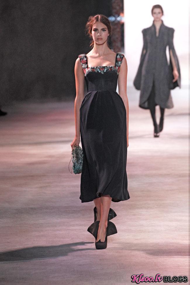 ulyana-sergeenko-fall-couture-15.jpg