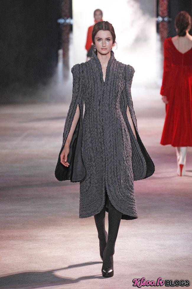 ulyana-sergeenko-fall-couture-16.jpg