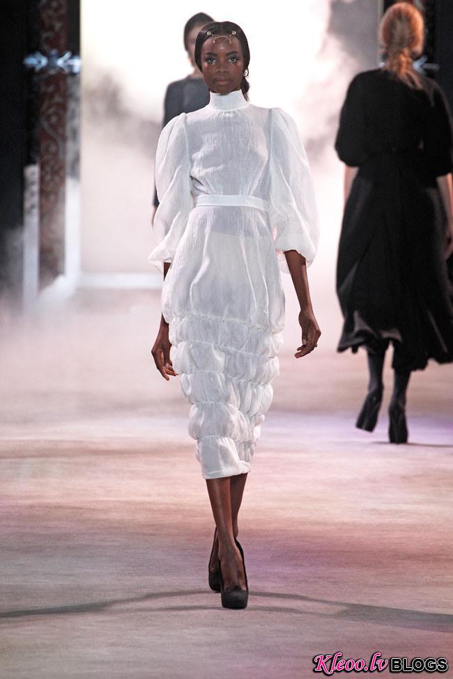 ulyana-sergeenko-fall-couture-2.jpg