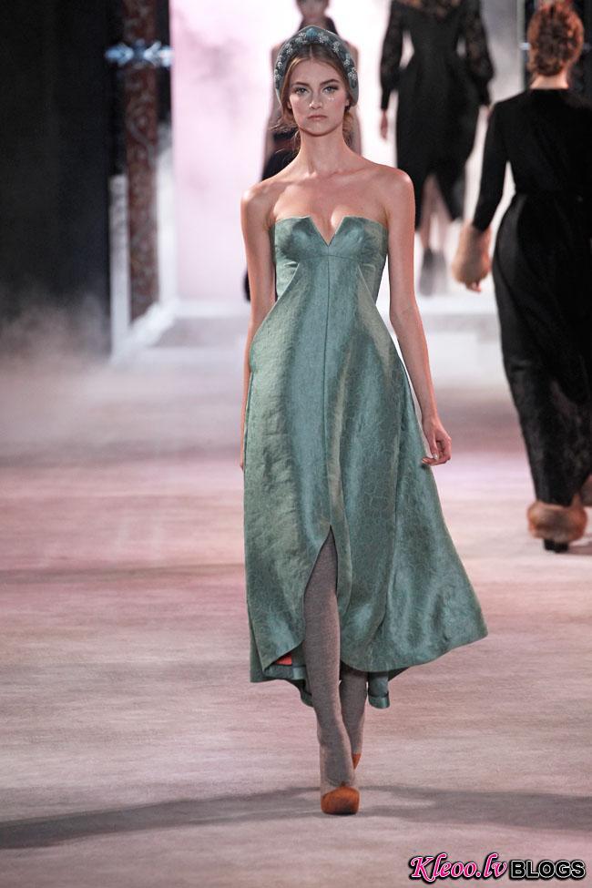 ulyana-sergeenko-fall-couture-22.jpg