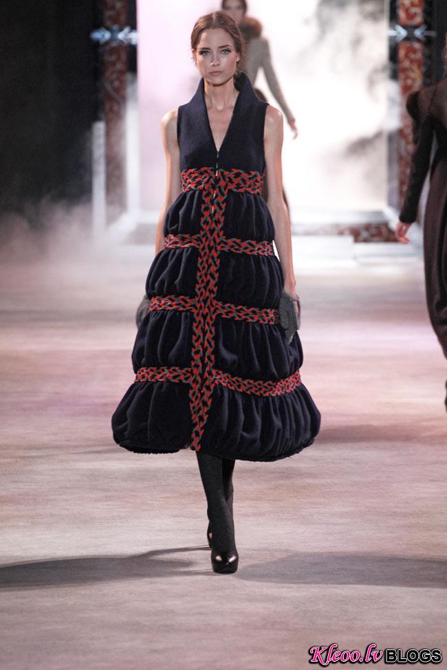 ulyana-sergeenko-fall-couture-23.jpg
