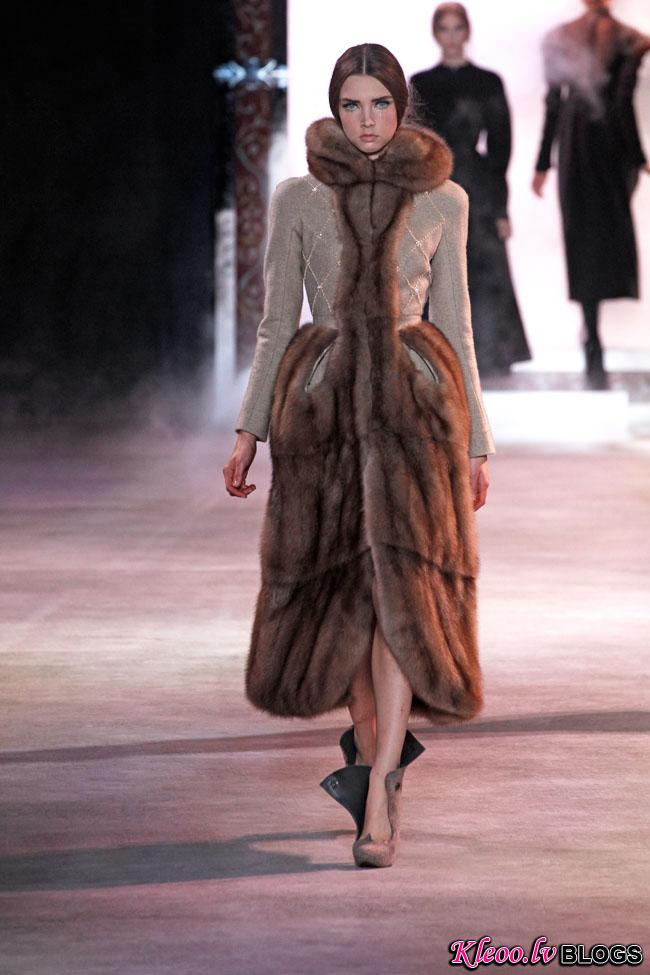 ulyana-sergeenko-fall-couture-24.jpg