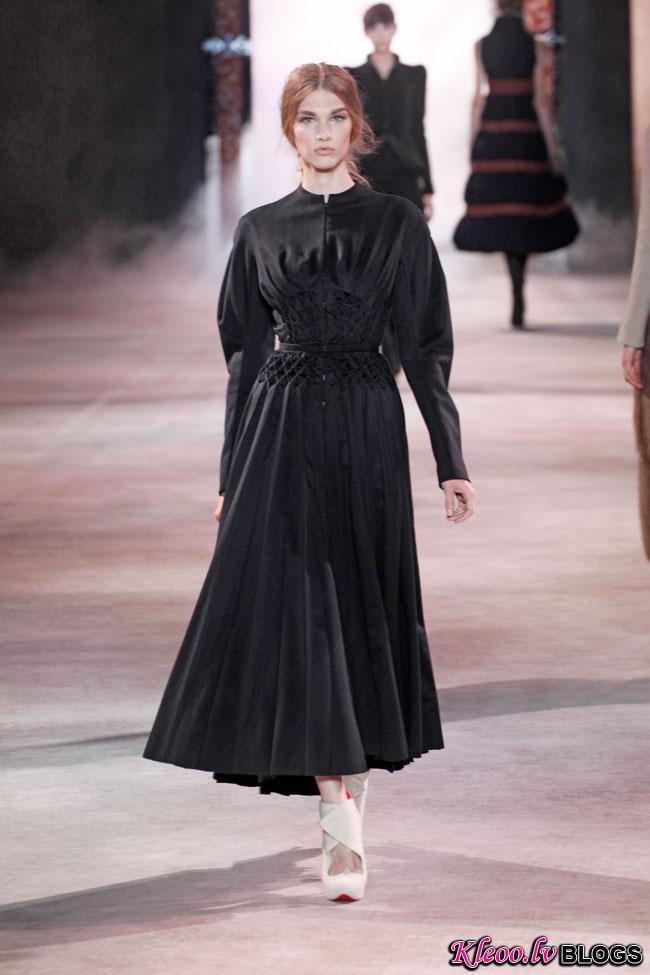 ulyana-sergeenko-fall-couture-25.jpg