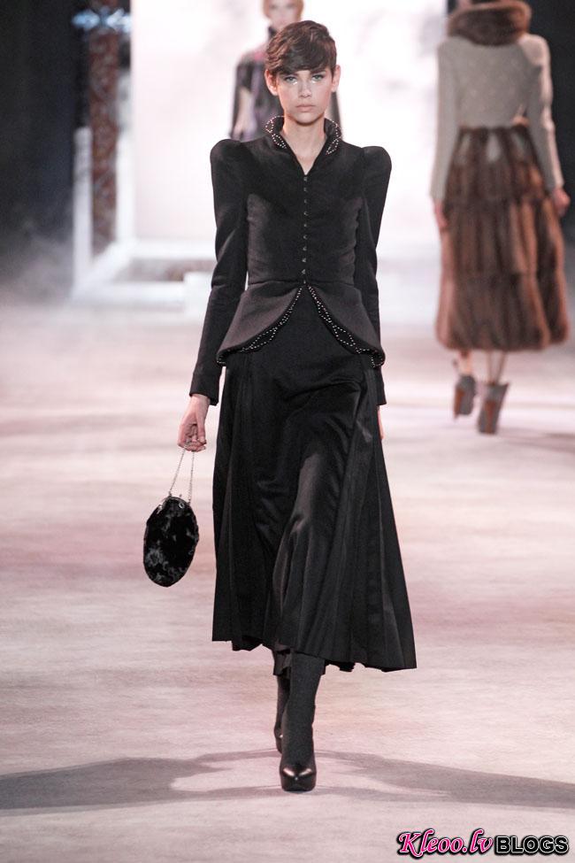 ulyana-sergeenko-fall-couture-26.jpg