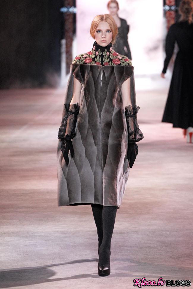 ulyana-sergeenko-fall-couture-27.jpg