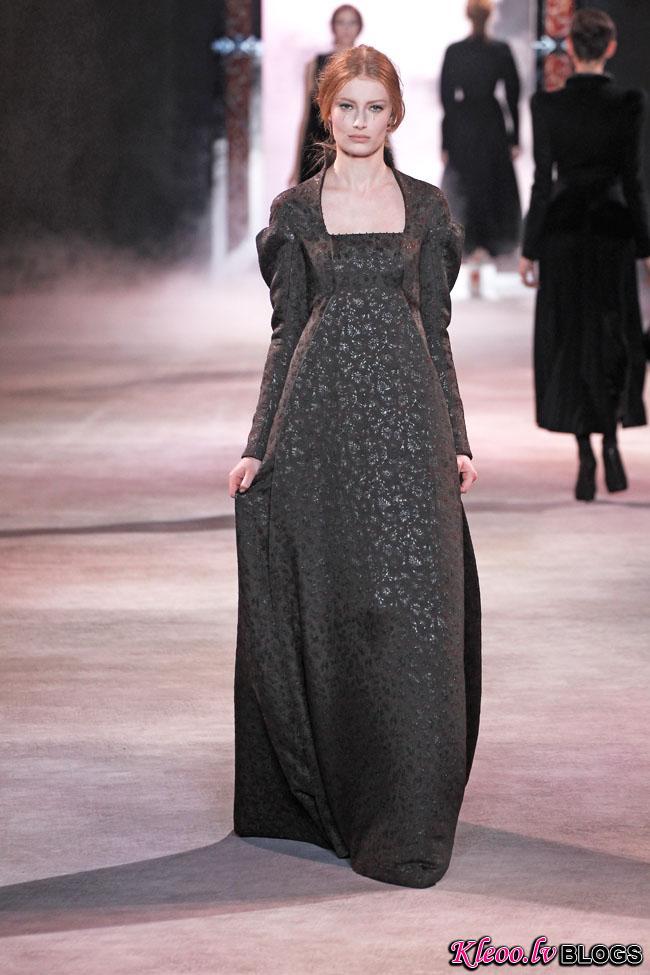 ulyana-sergeenko-fall-couture-28.jpg
