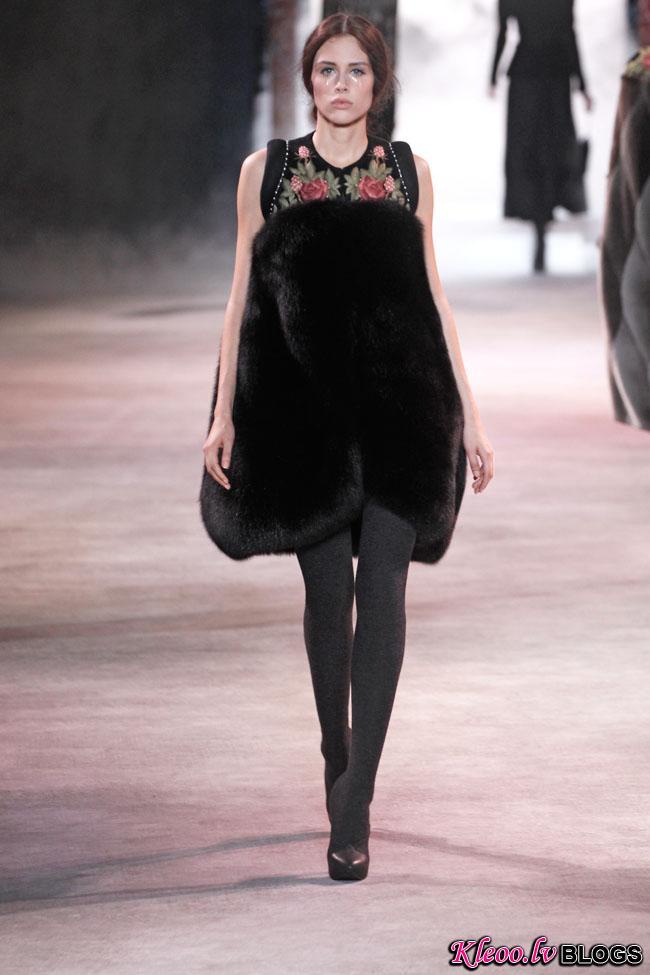 ulyana-sergeenko-fall-couture-29.jpg