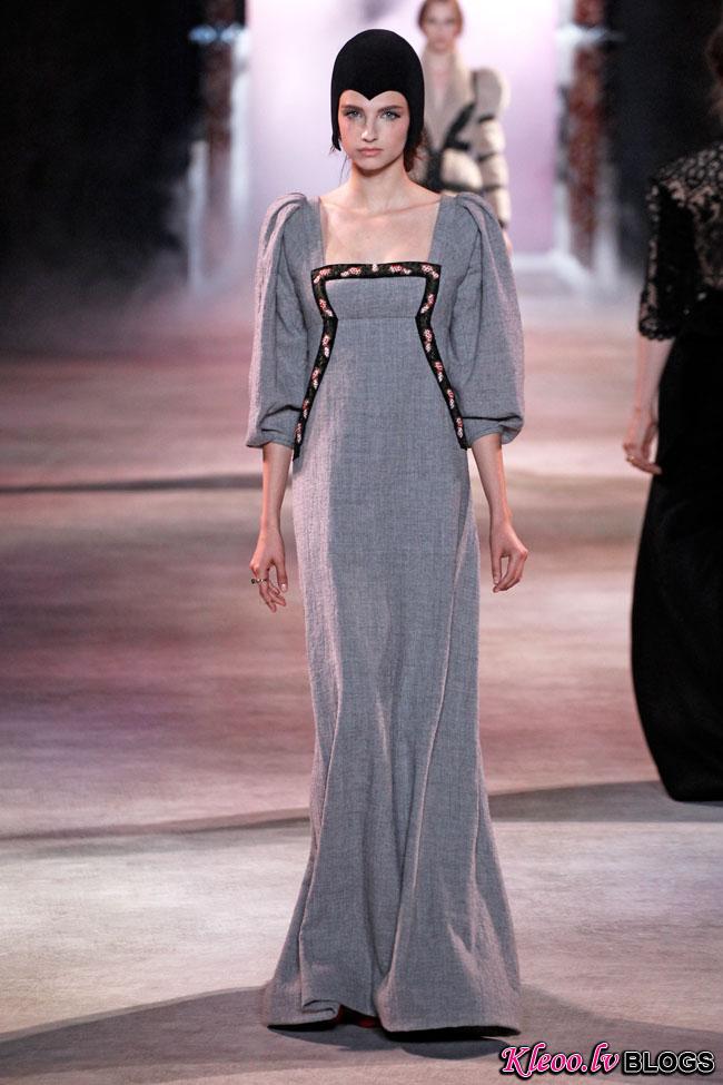ulyana-sergeenko-fall-couture-31.jpg