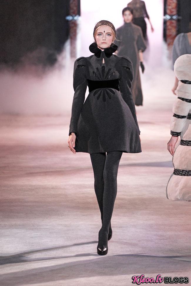 ulyana-sergeenko-fall-couture-33.jpg