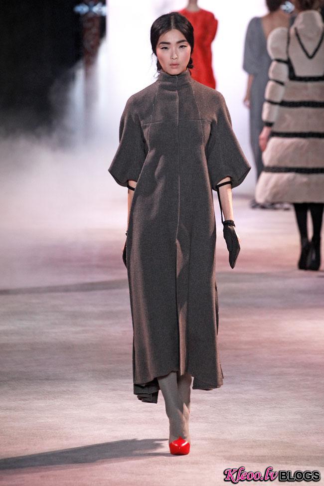 ulyana-sergeenko-fall-couture-34.jpg