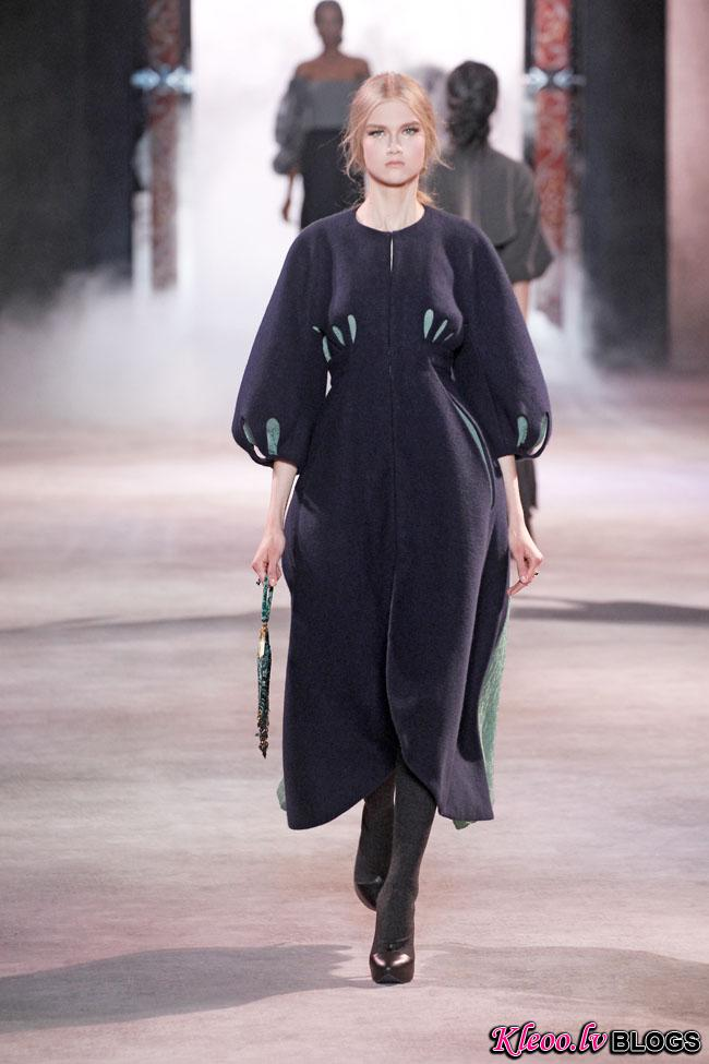 ulyana-sergeenko-fall-couture-36.jpg