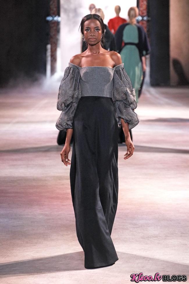 ulyana-sergeenko-fall-couture-37.jpg
