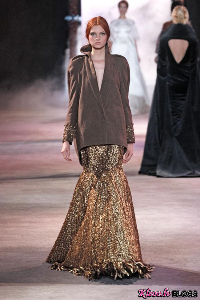 ulyana-sergeenko-fall-couture-40.jpg