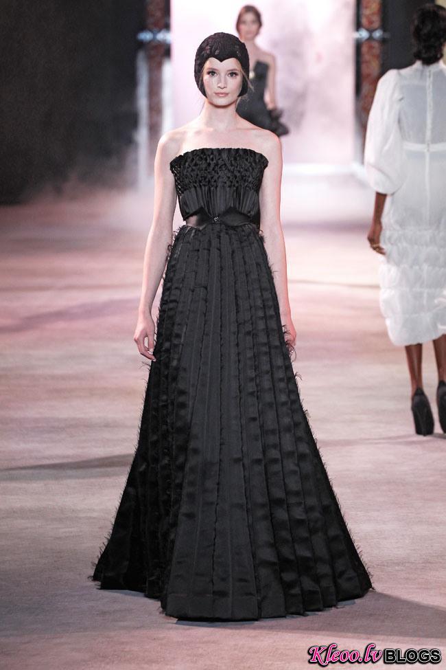 ulyana-sergeenko-fall-couture-5.jpg