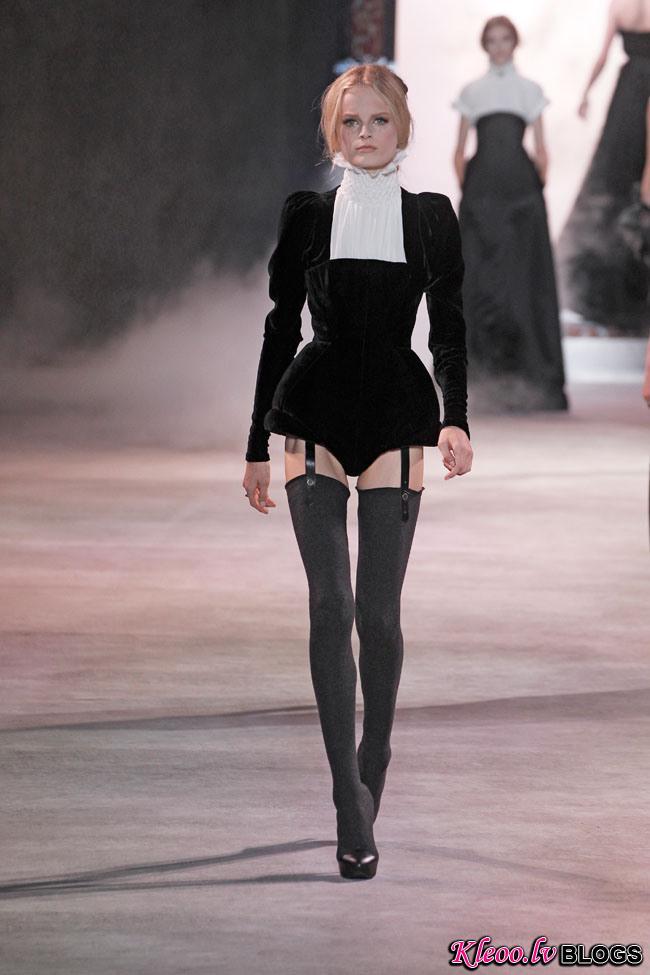 ulyana-sergeenko-fall-couture-9.jpg