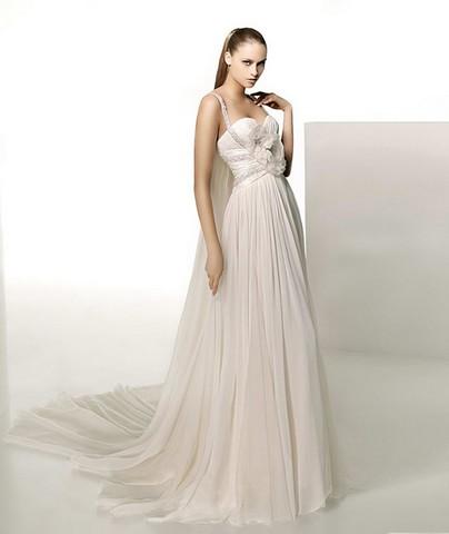 Kāzu kleitas :mode 2010  Rotājumi no pērlītem