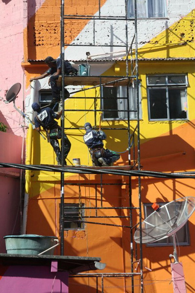 favela-painting-02.jpg
