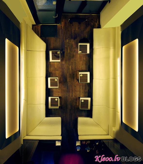 RoomPortraitsMennoAden11.jpg