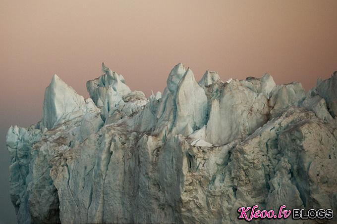 melt-portrait-of-an-iceberg-16_.jpg