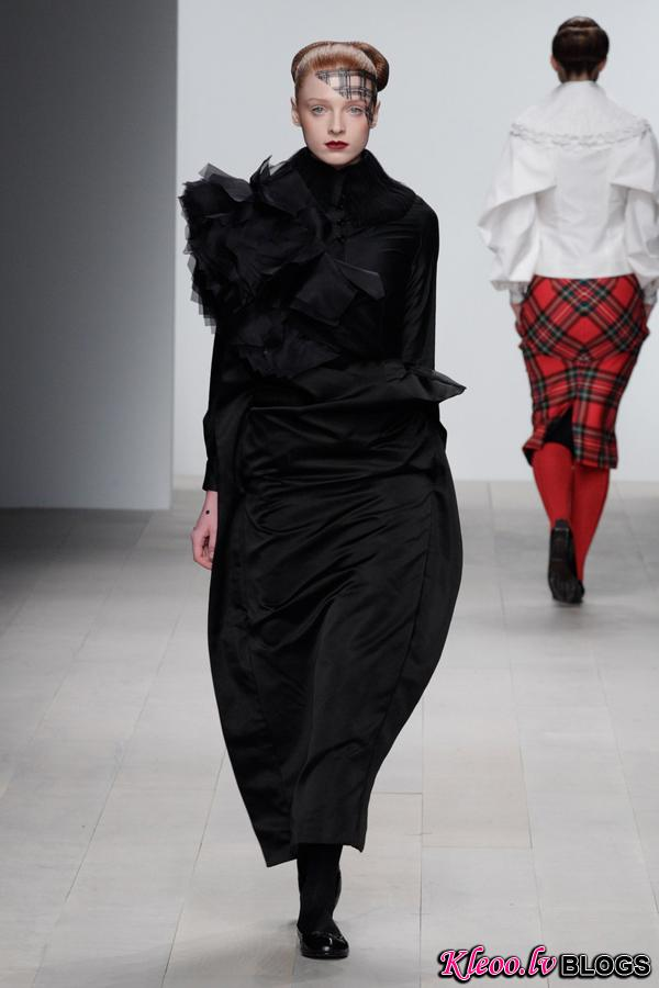 Corrie-Nielsen-Autumn-Winter-2012_13-Womenswear-Collection-07.jpg