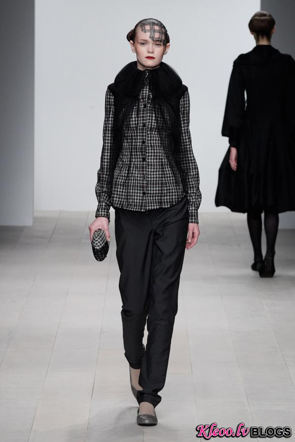 Corrie-Nielsen-Autumn-Winter-2012_13-Womenswear-Collection-11.jpg