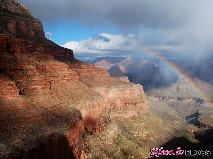 grand-canyon-rainbow_34062_990x742.jpg