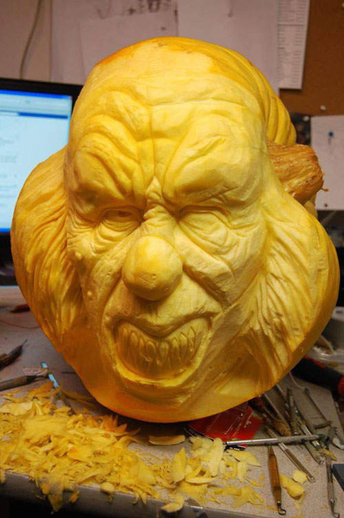 ss-100929-pumpkin-carving-14_ss_full.jpg