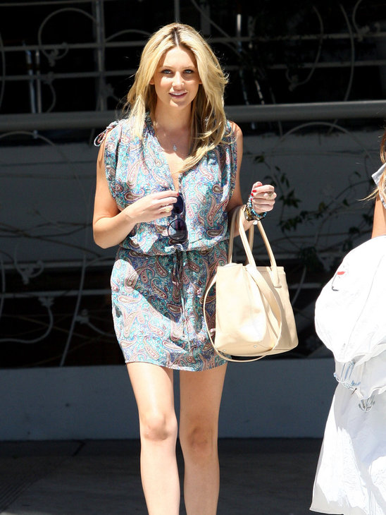 Stephanie Pratt goes girly in a printed mini dress