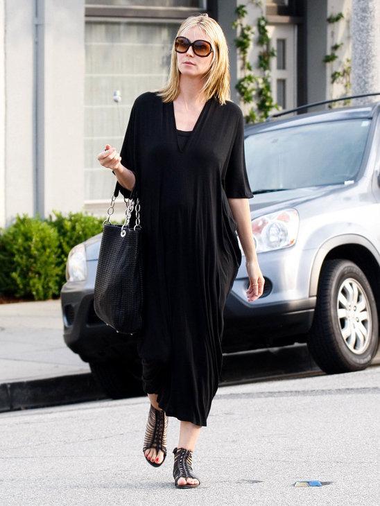 Heidi Klum looks fabulous in here shoes!