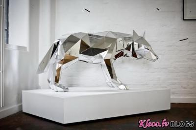 Ilustrators un skulptors Arran Gregory .
