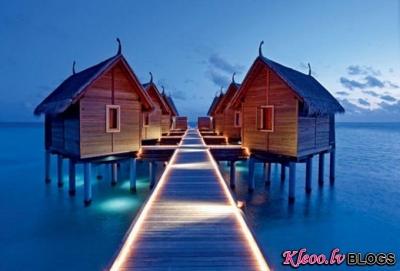 Constance Moofushi Resort Maldīvu salās.