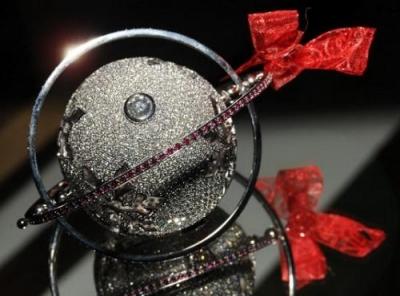 Самая дорогая в мире новогодняя игрушка ждет покупателя в Лондоне