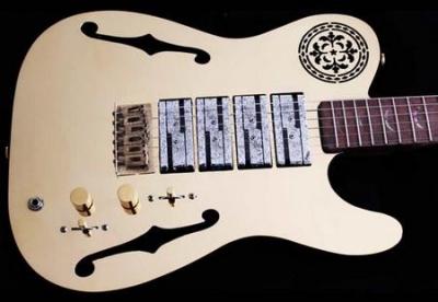 """Гитара на миллион, или """"если у вас есть несколько килограмм лишнего золота - я знаю, что с ним можно сделать""""!"""