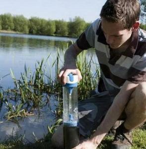 Pure - бутылка, делающая из непитьевой воды питьевую