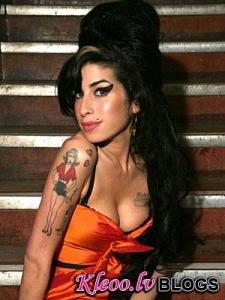 Amy Winehouse ir atrasta Mirusi savā Londonas mājā