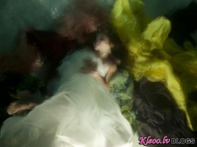 Christy Lee Rogers zemūdens foto.