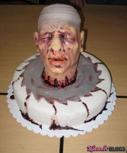 Briesmīgās tortes, kuras jūs nekad negribēsiet likt uz sava galda!