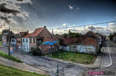 Стрит-арт в заброшенной бельгийской деревне