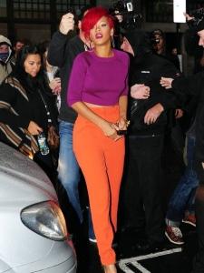 Mēs redzam tevi Rihanna!