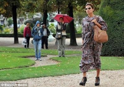 Eva Mendez un Parīze