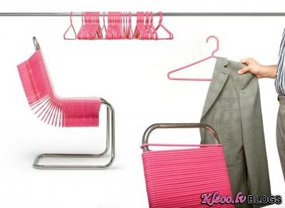 Krēsls-drēbju pakaramais....